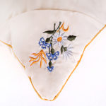 podushka-cvetochnoe-raznotravye-vushivka5