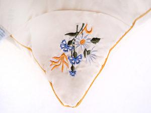 podushka-cvetochnoe-raznotravye-vushivka7